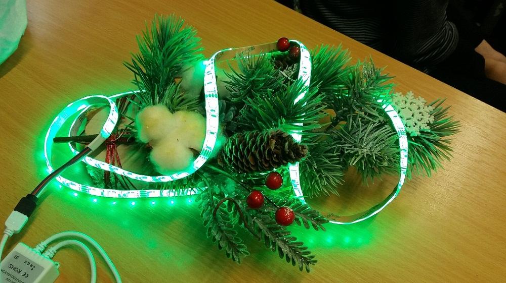 Ozdoby świąteczne wykonane przez klasę VI B