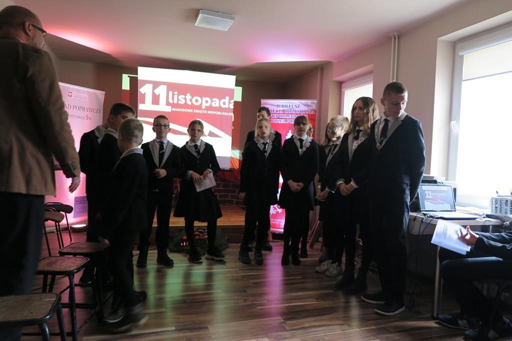 Święto Niepodległości - wizyta naszych uczniów w Zakładzie Poprawczym